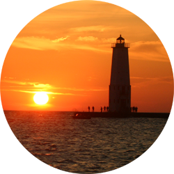summer-at-Frankfort-Lighthouse-2
